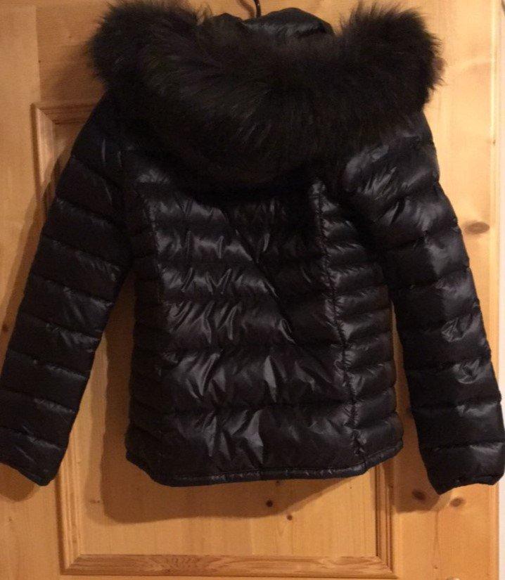 schwarze Duvetica Jacke mit Echtpelz