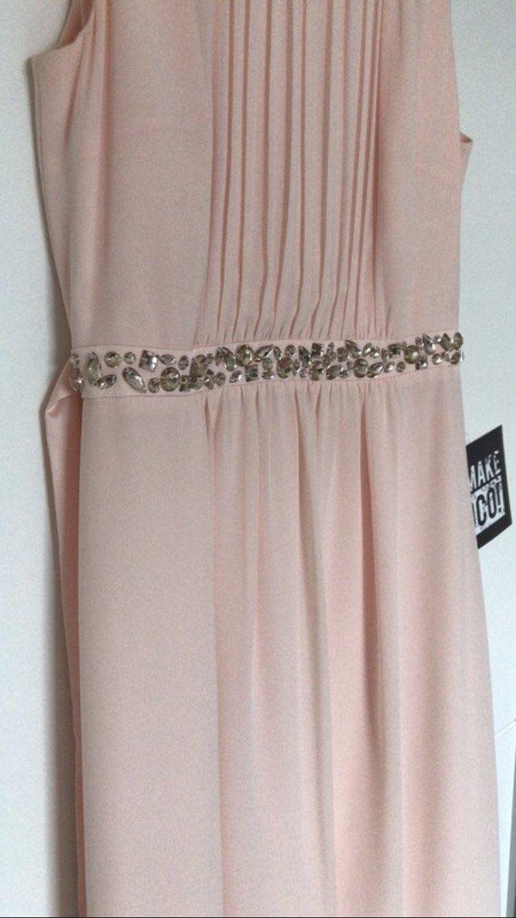 apricotfarbenes kleid