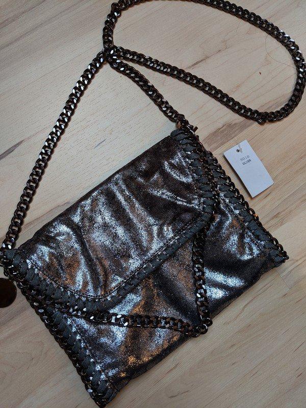 0db8c0ae511c ... Silberne Kettentasche Samt Schimmer Handtasche Glitzereffekt mit  Etikett .