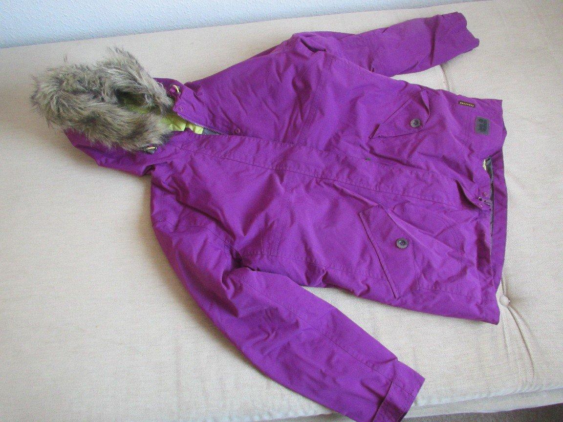 sale retailer c1d21 c4251 Jacke Winterjacke Gr. 164/170 in lila von Jack Wolfskin Texapore