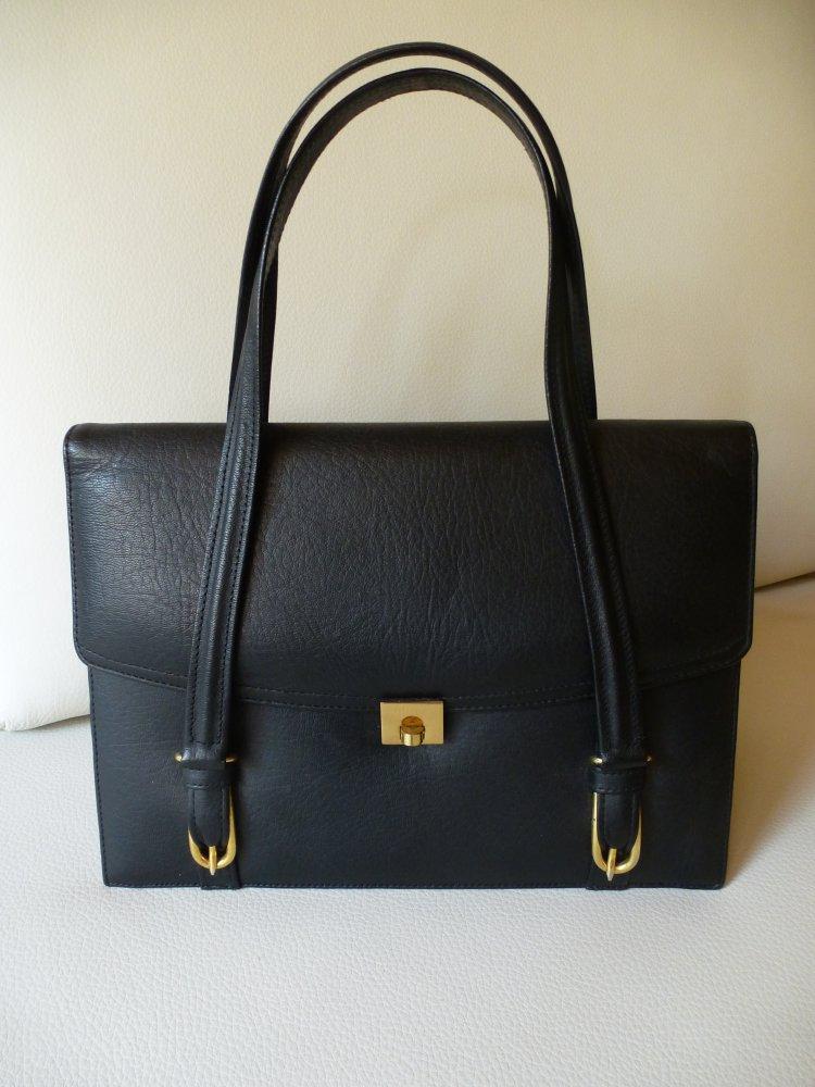 5b838a924b616 schwarze Handtasche mit kurzem Hänkel    Kleiderkorb.de