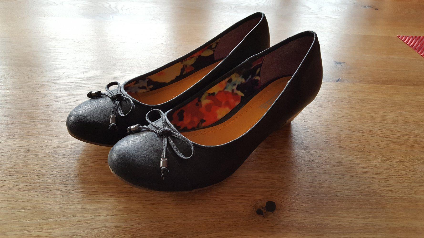 d8d6046b5cc23 Schwarze Ballerinas