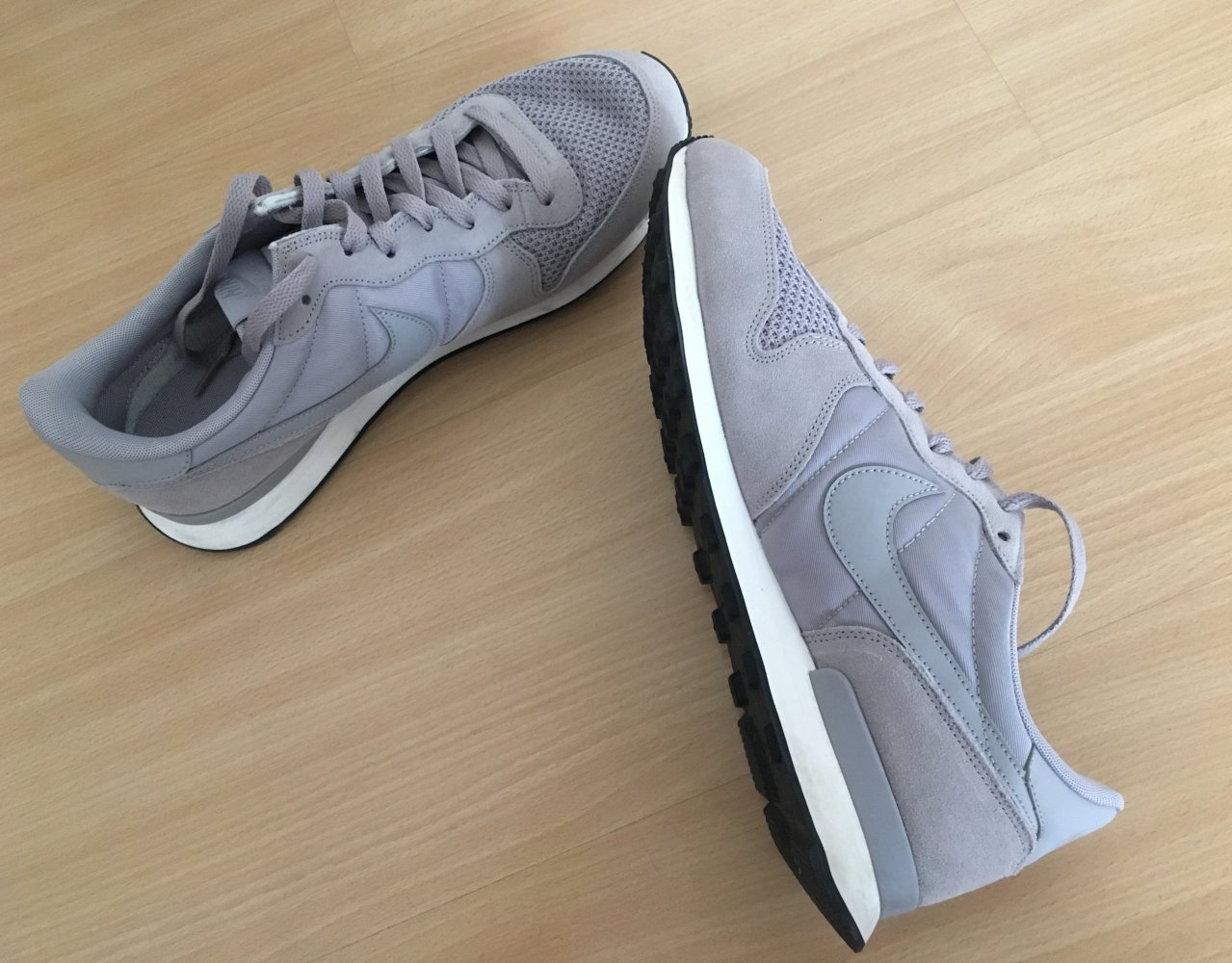 Nike Internationalist SE Herren Gr. 44,5 :: Kleiderkorb.de