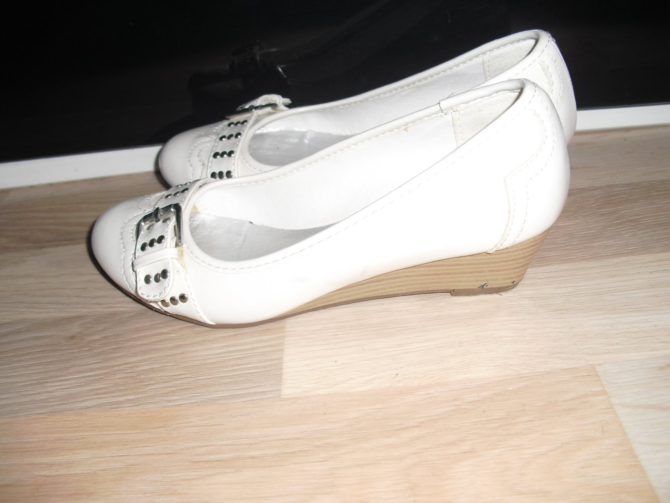 brand new 7c5cd b3fd6 Supersüße Keilabsatz Ballerina Wedges mit Schnalle