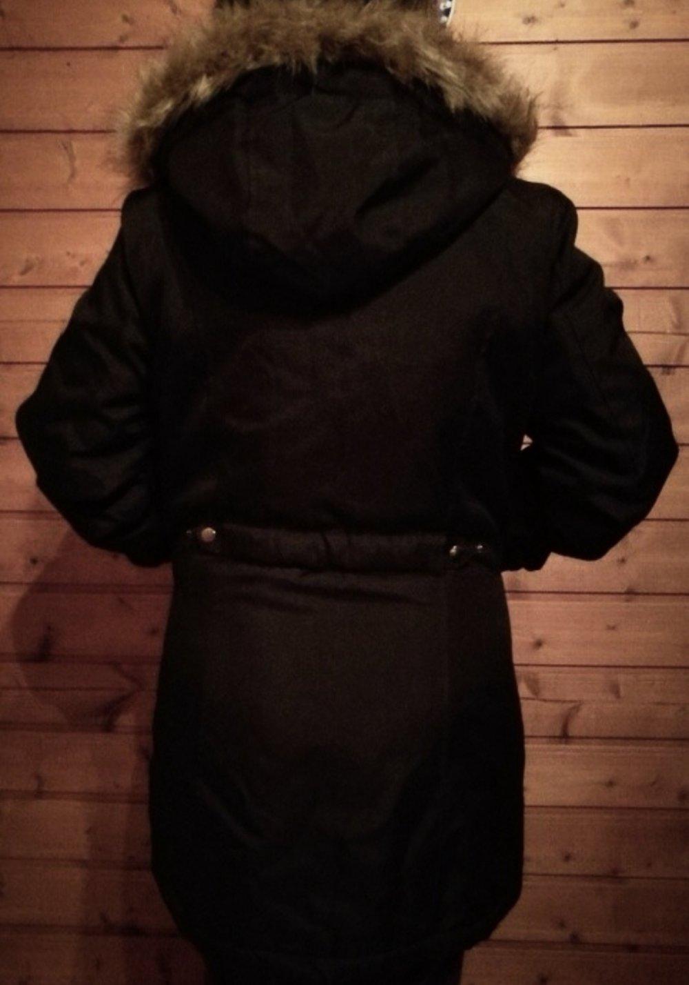 b170f410b065 Vero Moda Parka Winterjacke Gr. L    Kleiderkorb.de