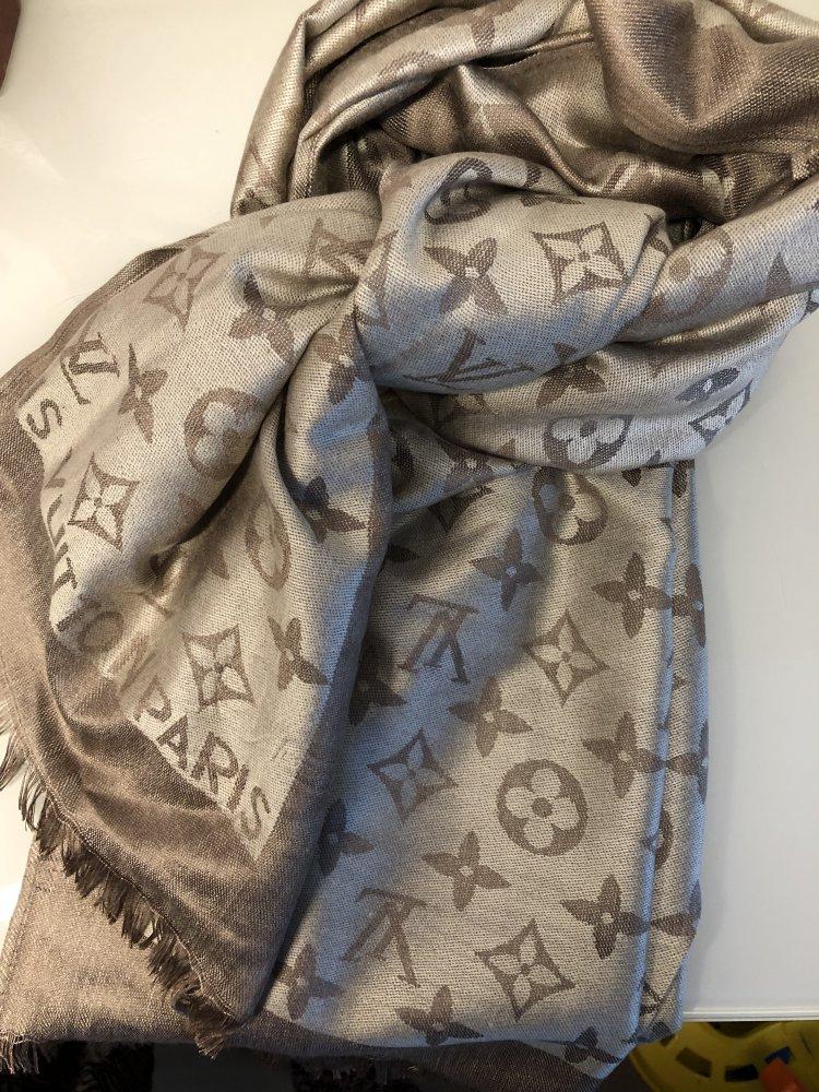 1ac359e39b06a Schal Louis Vuitton Tuch Schal Louis Vuitton Tuch .