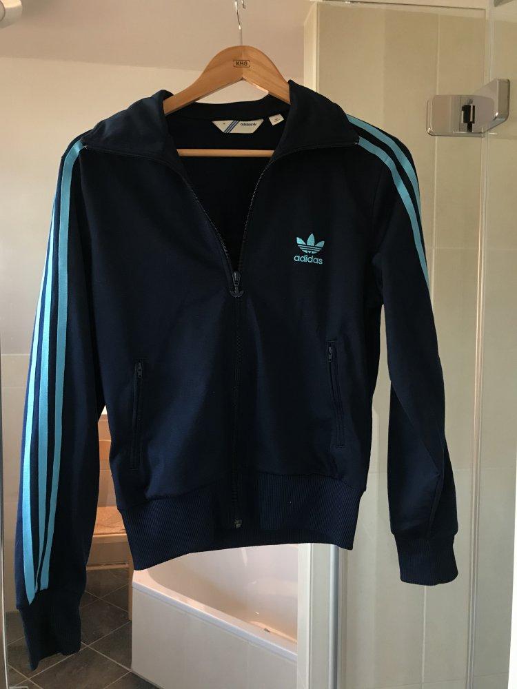 Kurze Adidas Jacke Größe 38