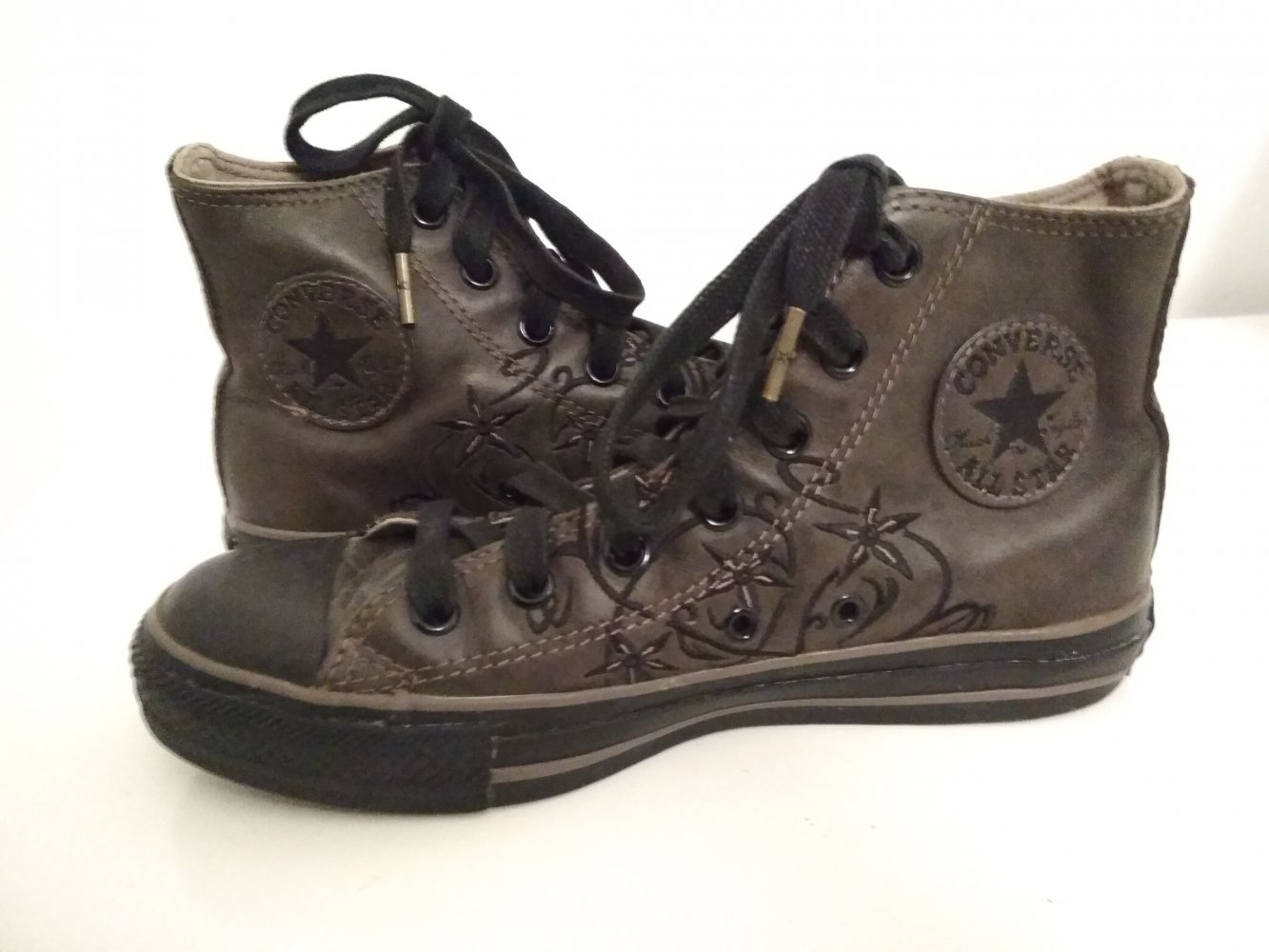 Converse Chucks Gr. 38 UK 5,5 US 7,5 braun Leder Stickerei