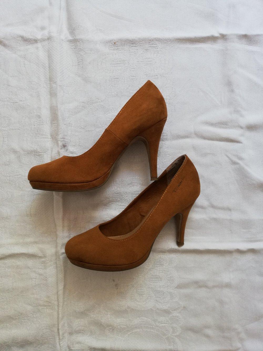 hot sale online 5723d a8957 Hellbraune Wildleder High Heels von Tamaris in Größe 37