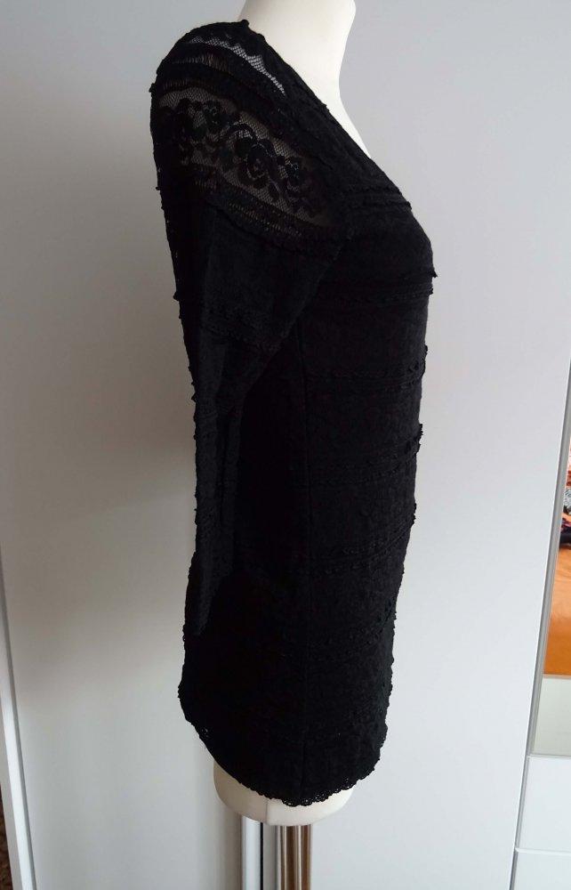 41589f1d1de510 schwarzes Shirt mit Spitze schwarzes Shirt mit Spitze ...