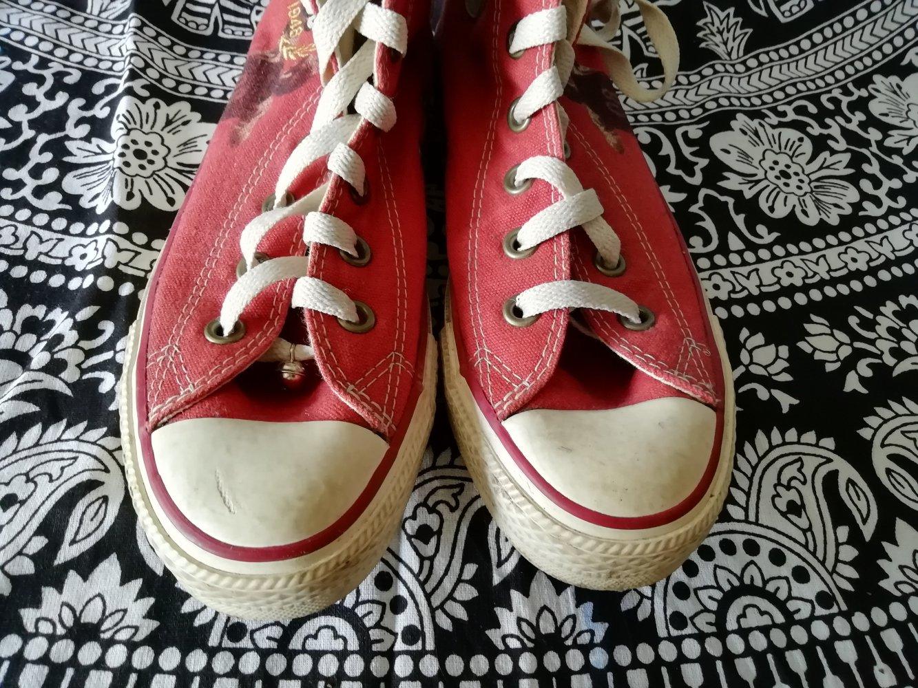 Rote Converse Allstars Chucks