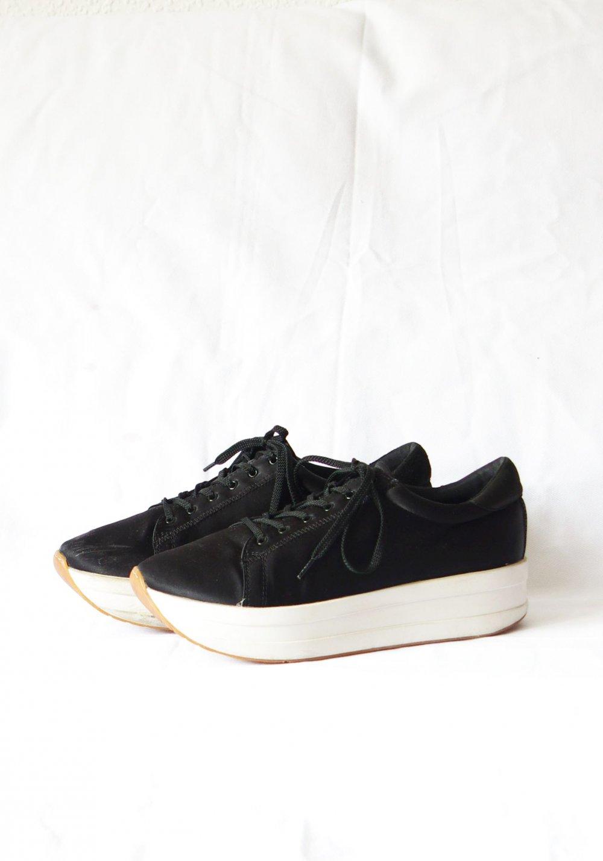 online retailer 1f7da 8c912 Coole Vagabond Casey Plateau Sneakers Gr. 41 Satin shiny schwarz weiß  Festival Schnürstiefel Dollskill