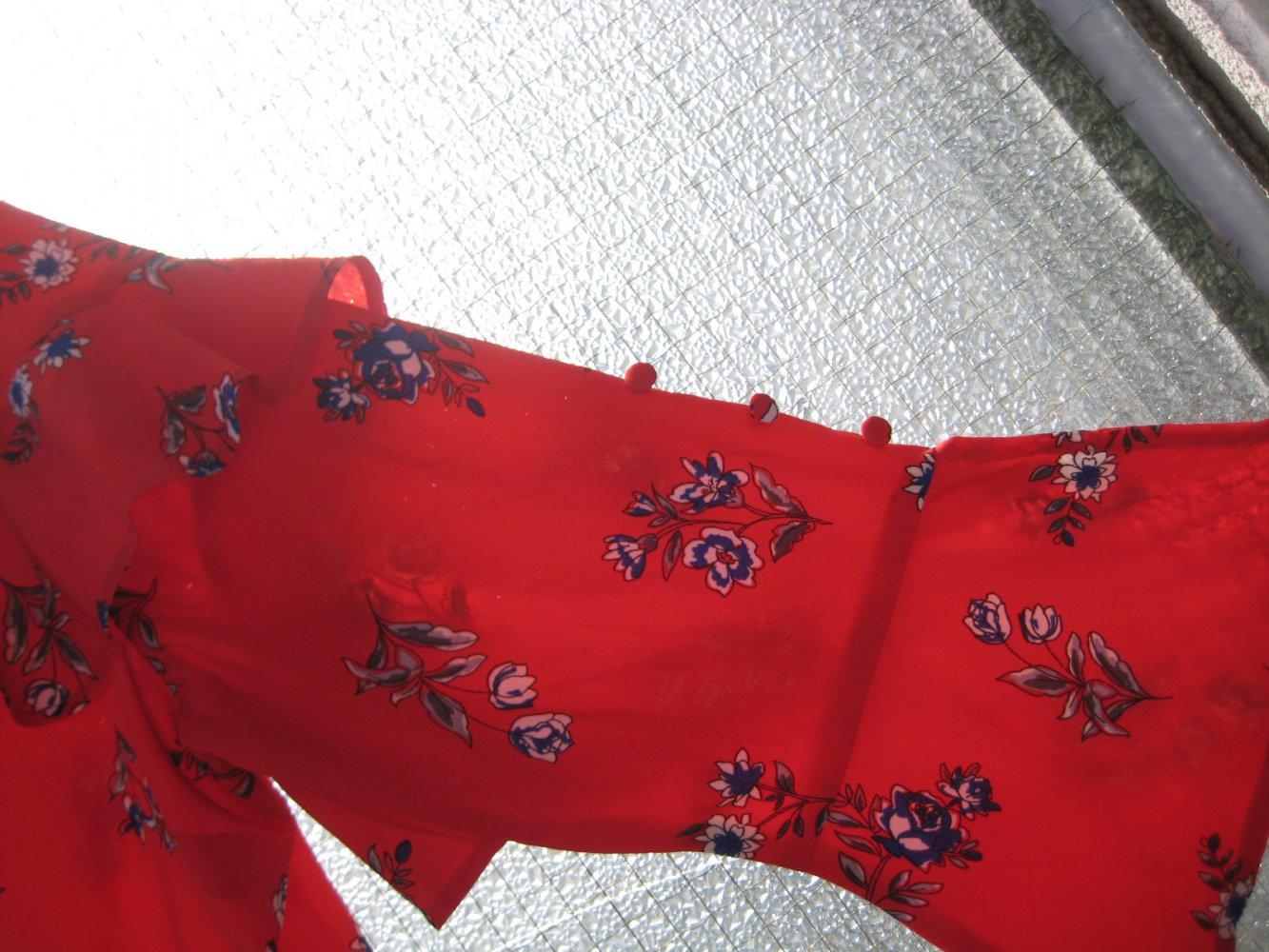 wunderschönes rotes kleid mit blauen blüten und vielen details! rot, weiß,  blau, asos, sommer, frühling, influence, volant, tailliert, trompetenärmel,