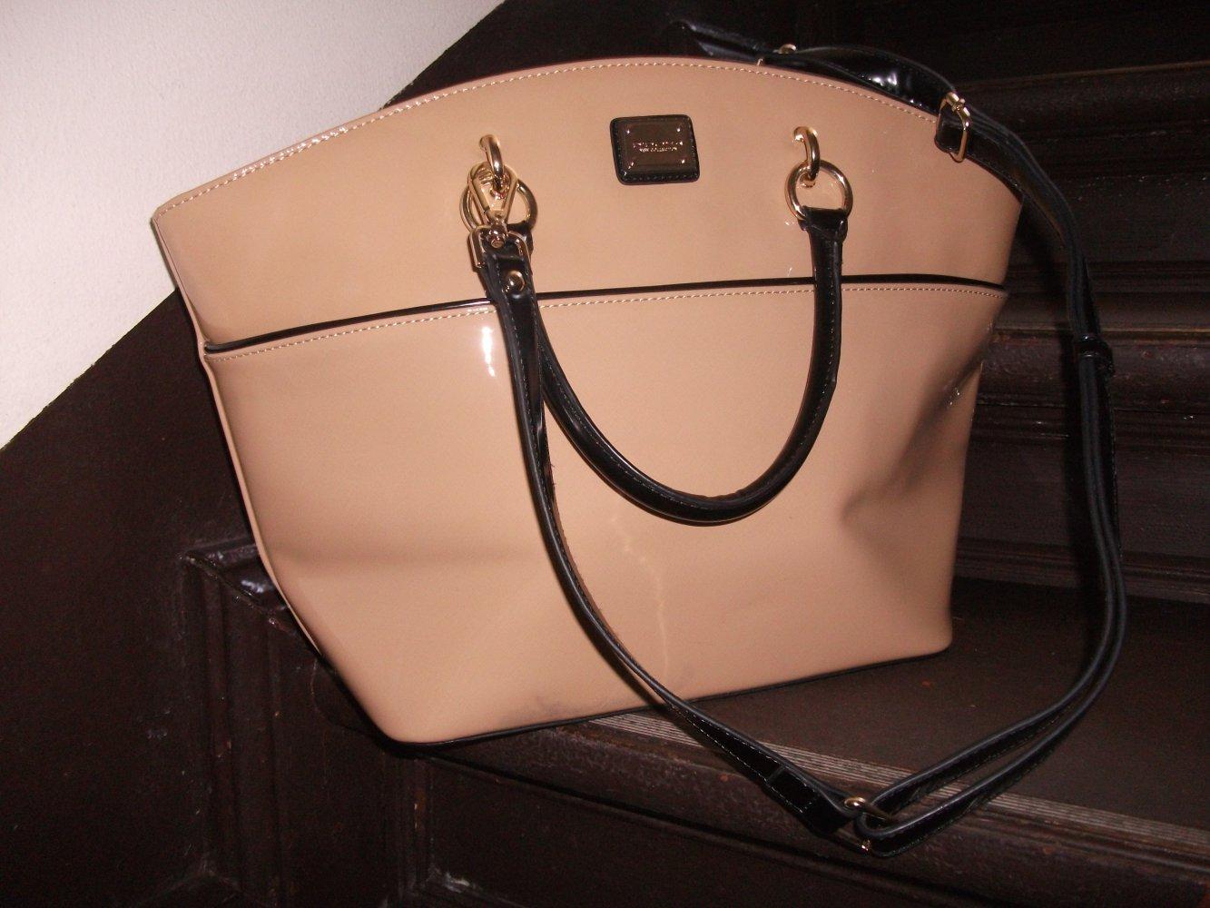 57d5343740c16 D`DONA Lack-Tasche in stylischem nude    Kleiderkorb.de