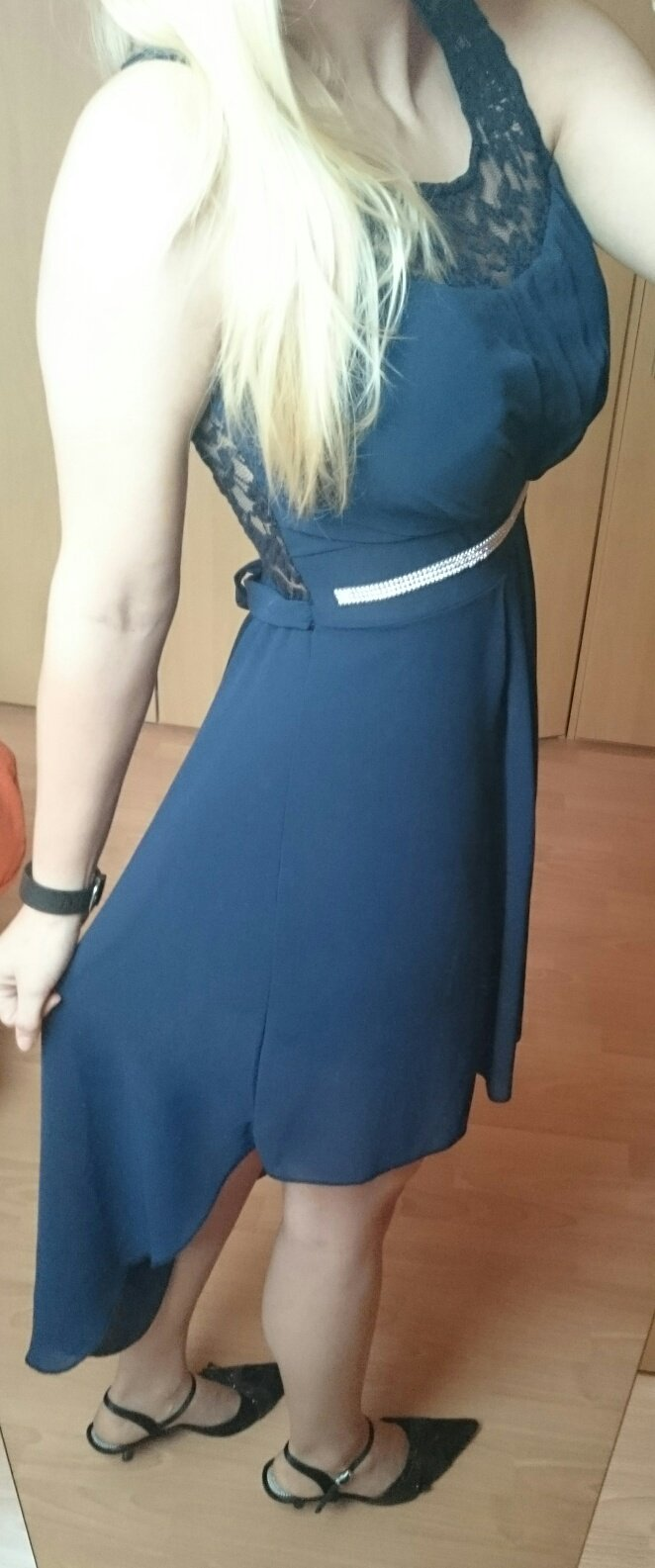 dunkelblaues kleid vorne kurz hinten lang