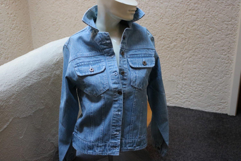 Jeansjacke mit Applikationen Gr. 56