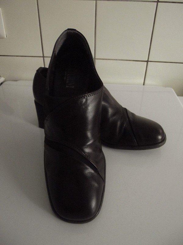 Sehr schöne braune Schuhe von Venturini Wie Neu!    Kleiderkorb.de 0d76b87433