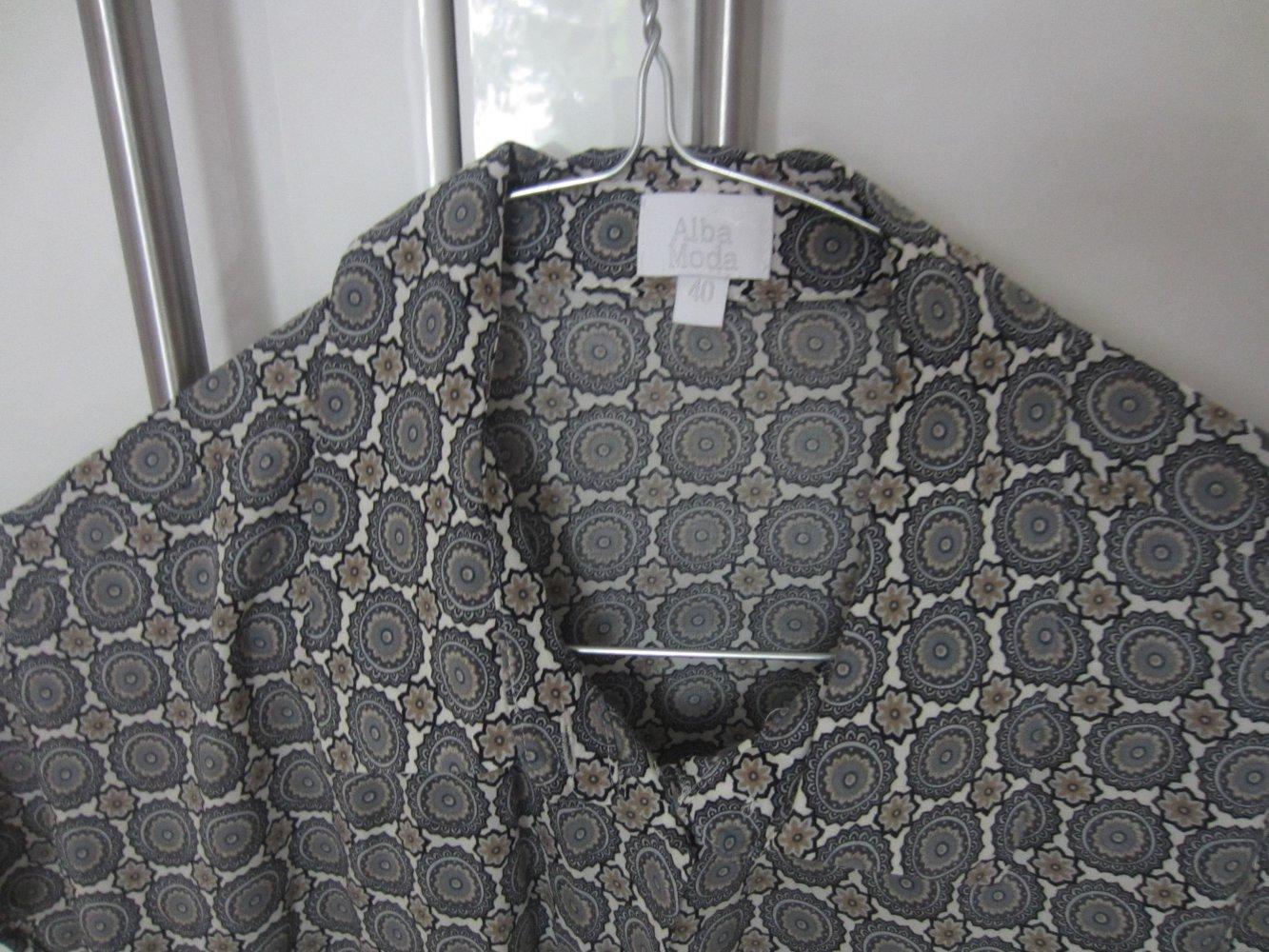 blau gemusterte Bluse von Alba Moda (Größe 40)    Kleiderkorb.de 6a3f07392c