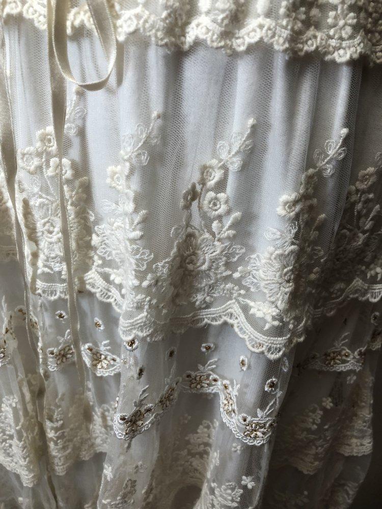 5fe5471f08af6c ... Japan L'est rose Kleid aus Glitzer Spitze in weiß, Rüschen, offwhite,  ...