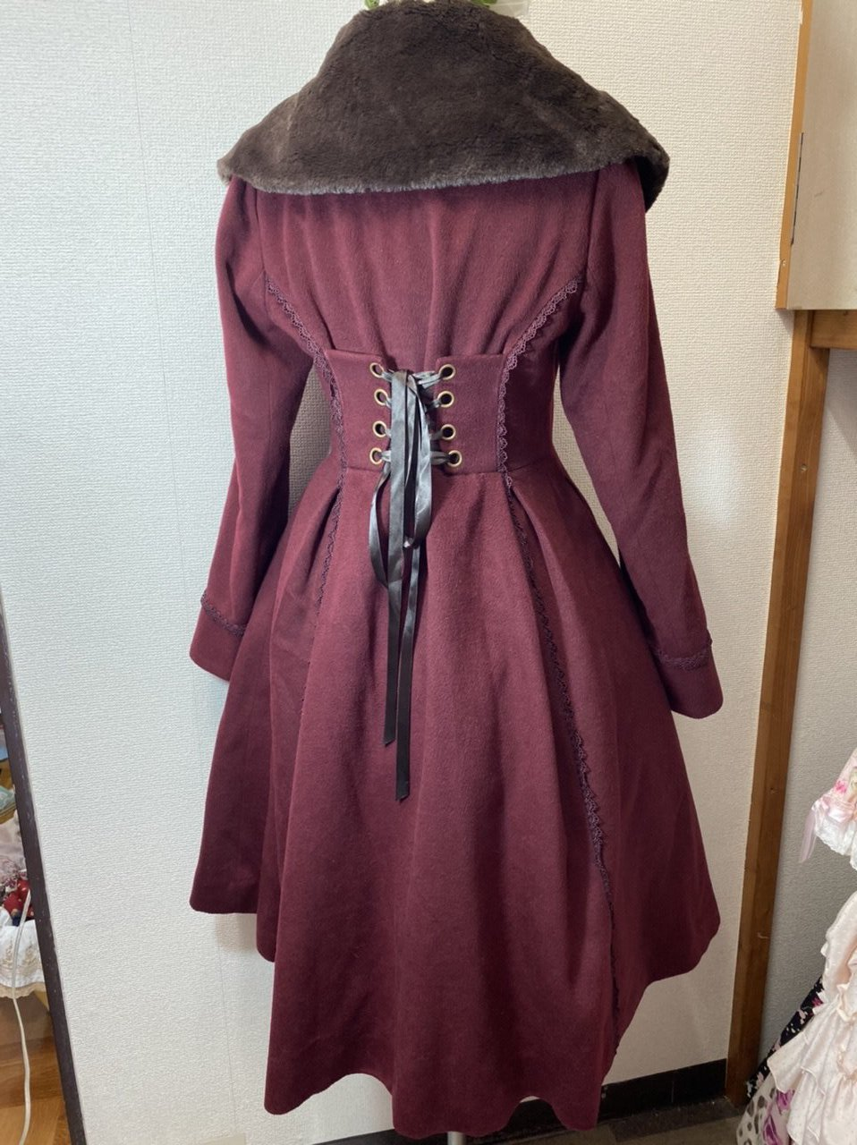 Axe Femme high low Winter Mantel in dunkel rot m. Schnürung, lolita, japan, kragen, spitze