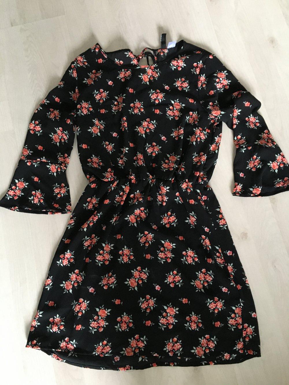 Kleid Sommerkleid schwarz geblümt blumen 17/17 Arm 176/S H&M Divided