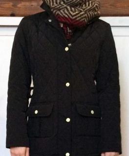 e8edc4e820ebdf Super flauschige pinke Kuschelmütze Super schicke schwarze Jacke aus  gestepptem Stoff [S/M] NP 150€
