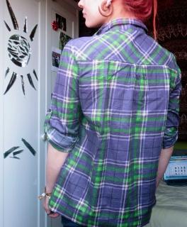 62552439e96d4 Only karierte Bluse mit Taschen Karo lila grün hippie Tunika ...