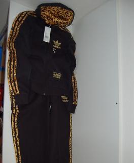 adidas leo jogging anzug. Black Bedroom Furniture Sets. Home Design Ideas