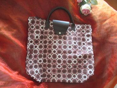 128b27a3666b8 NEU Zusammenfaltbare Retro Look Hand- Henkel- Tasche Shopper Einkauf Bag  braun- cremè