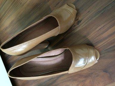 high heels mit bastabsatz. Black Bedroom Furniture Sets. Home Design Ideas