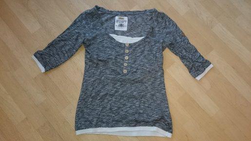 Super edler Damen Pullover Gr. 42 exclusiver Druck vorteilhaft + bequem!