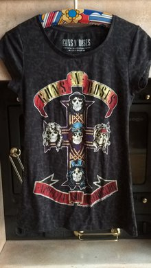 guns n 39 roses shirt. Black Bedroom Furniture Sets. Home Design Ideas