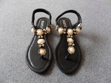 sandalen mit perlen. Black Bedroom Furniture Sets. Home Design Ideas