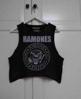 bb9fa2faeb2288 Croptop Ramones grau Tshirt ...