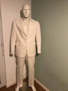 Kleiderkorb De Gebrauchte Anzuge Online Bestellen