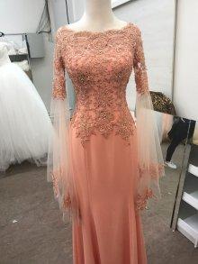 0489e8bdd7a009 Ihr könnt ein traumhaft schönes Kleid kaufen. ich habe sie nur einmal  getragen -Größe S -Das Kleid ist in der Lachsfarbe.