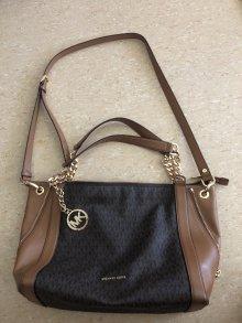 :: Gebrauchte Handtaschen online bestellen